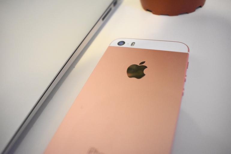 iphone apple review.jpg