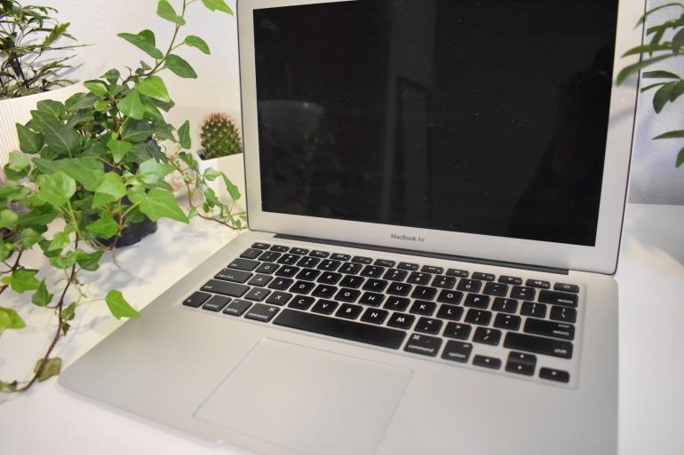 macbook apple review.jpg