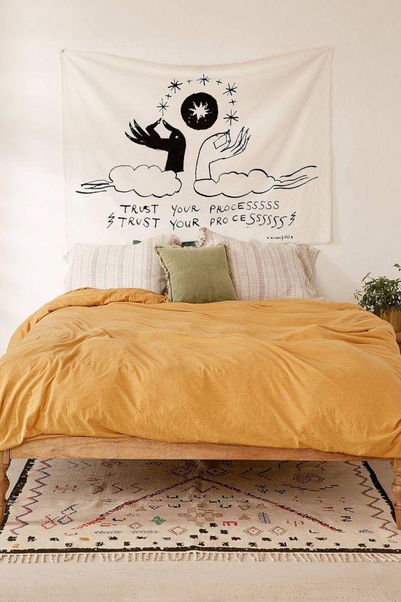 Incredible-Yellow-Aesthetic-Bedroom-Decorating-Ideas-24.jpg